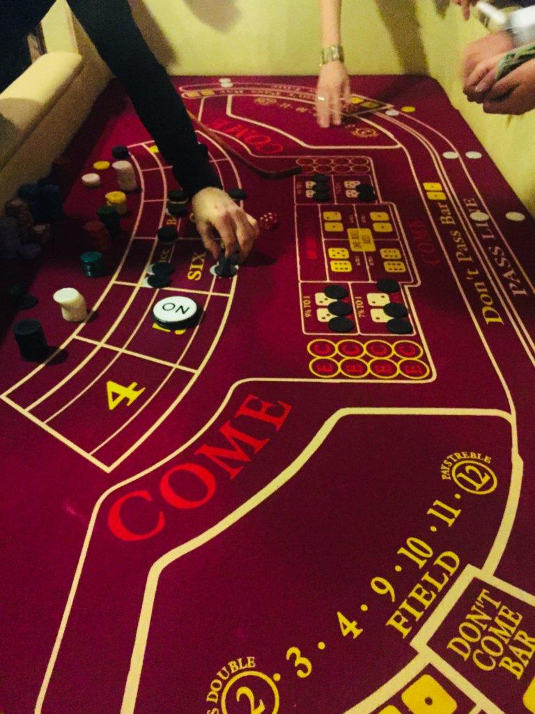 казино джекпот бонус 700 рублей