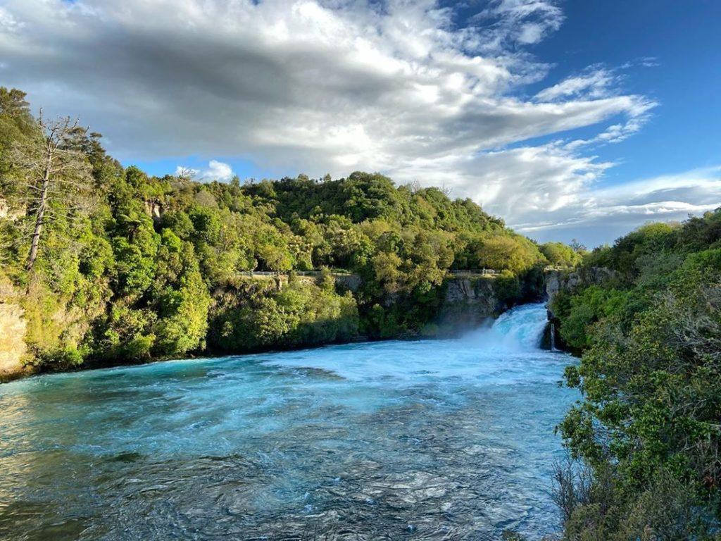 водопад хука новая зеландия