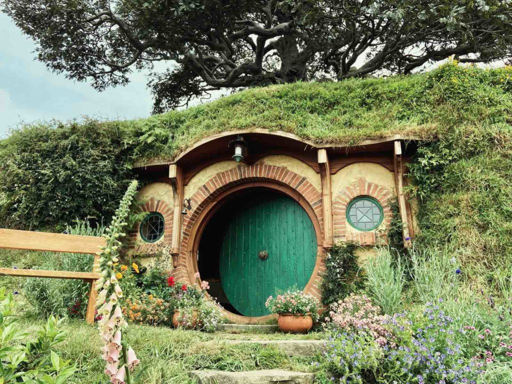 hobbiton house of bilbo